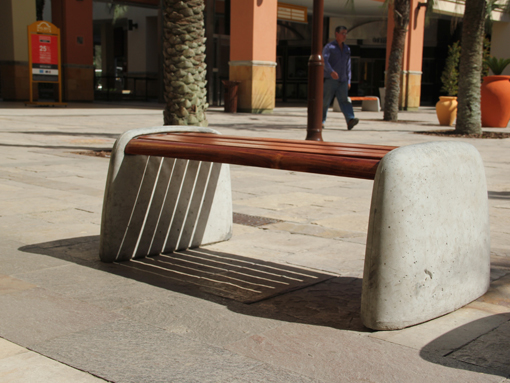 Peble bench - Project Photo
